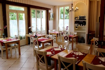 Photo for Hôtel les Aubépines in Illiers-Combray