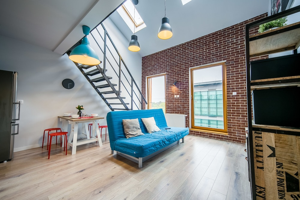FriendHouse Apartments - Old Town