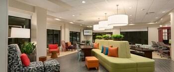 芝加哥紹姆堡希爾頓惠庭飯店