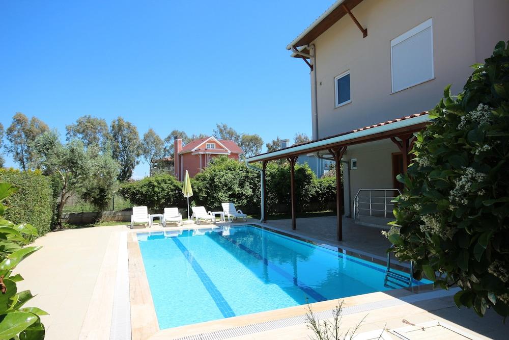 Paradise Town - Villa Hazel