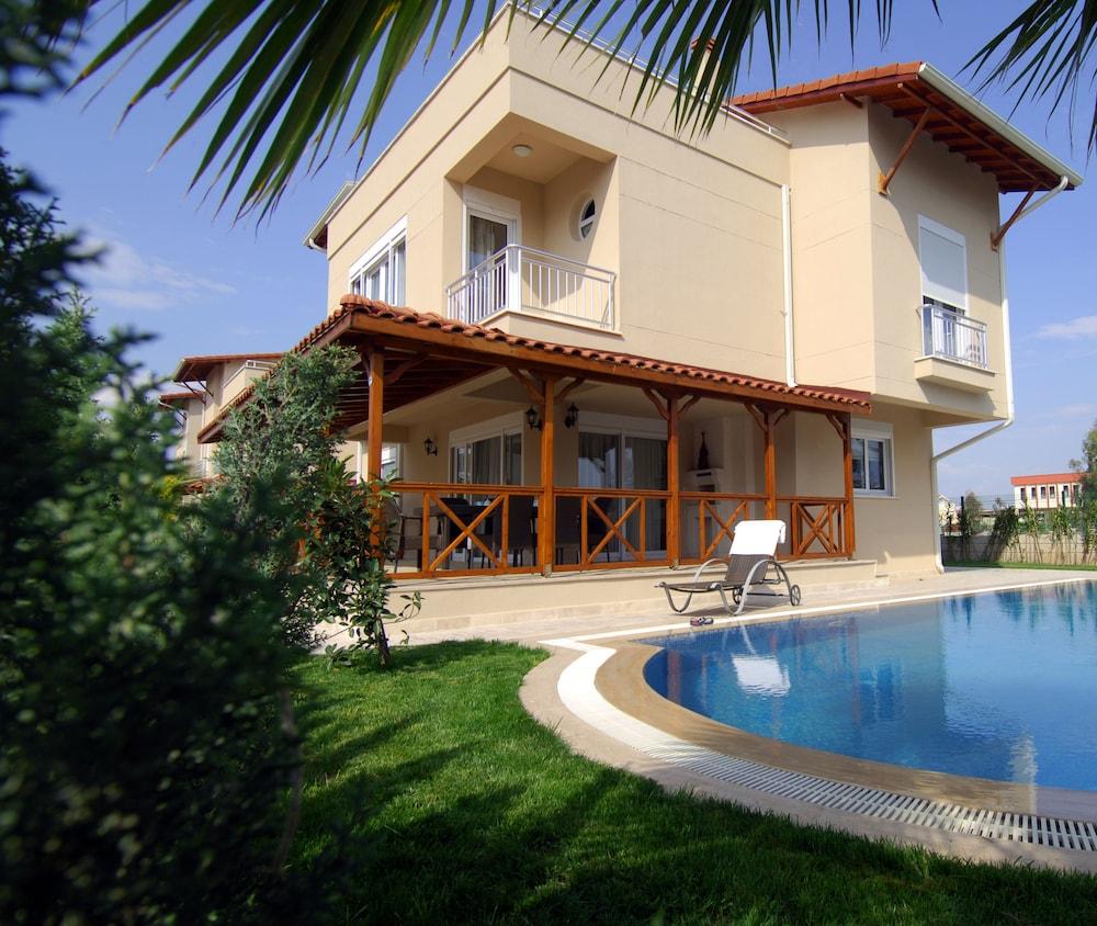 Paradise Town - Villa Lisa