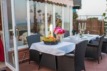 Beach House Barcelona Malgrat De Mar I - In-Room Dining  - #0