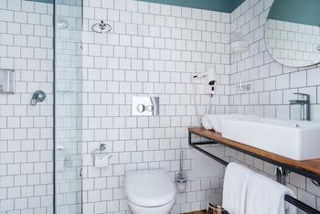 Fabrika Hostel & Suites - Hostel - Bathroom  - #0