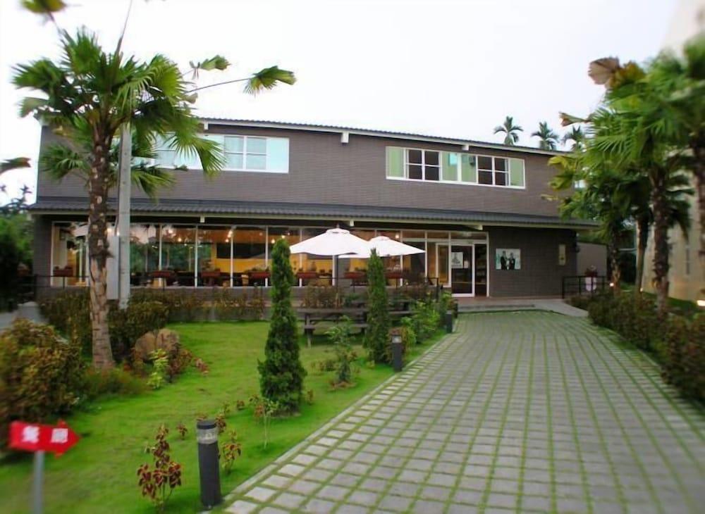 Moon Villa