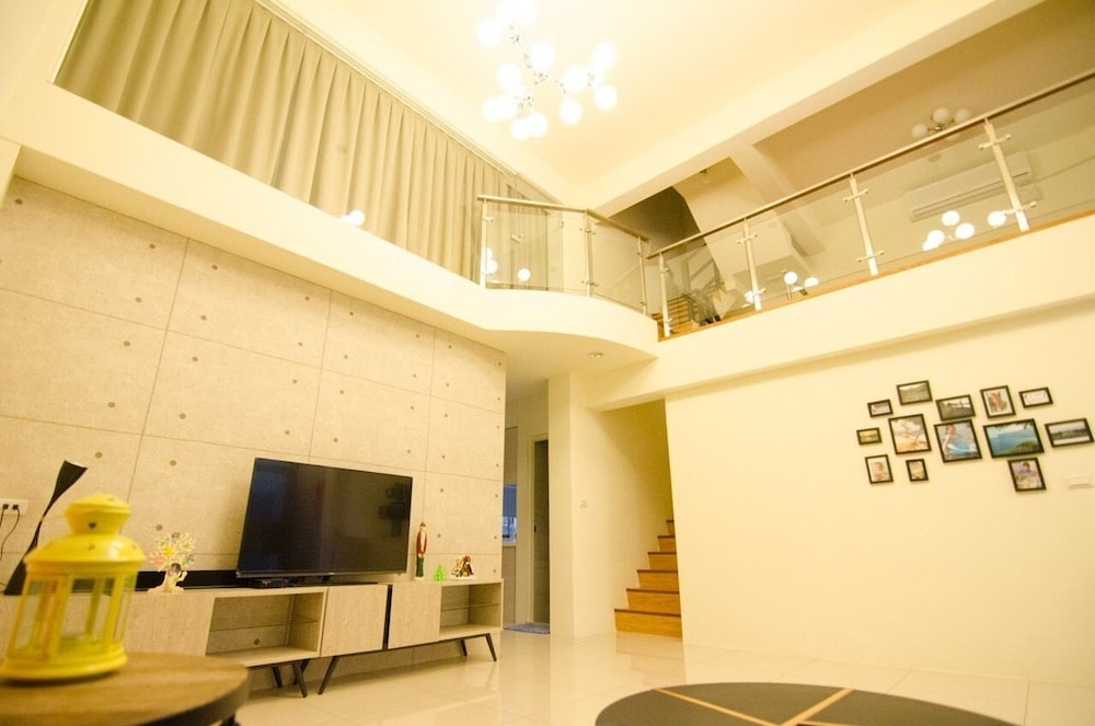 Yilan Night B&B