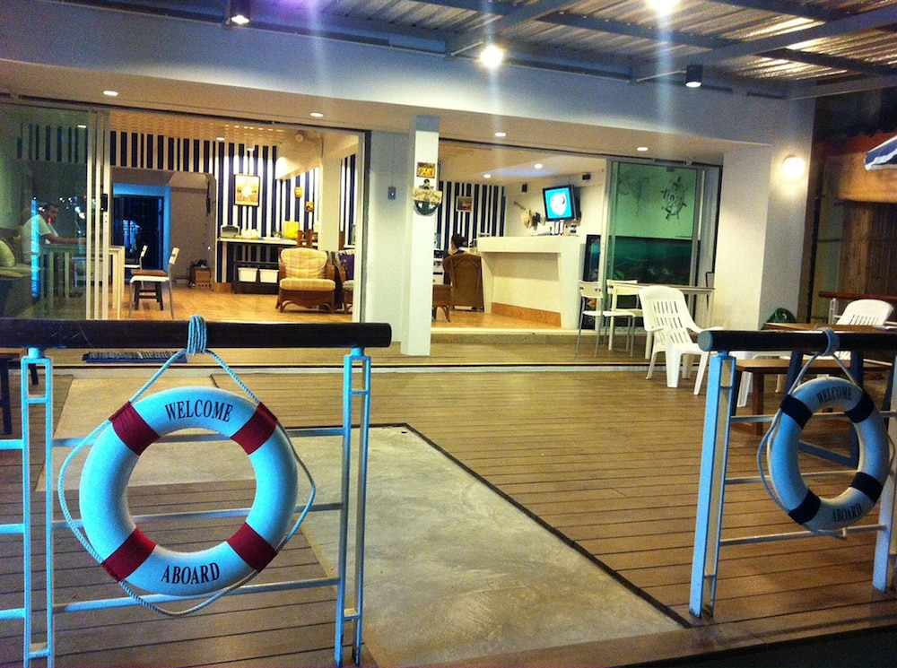 Nautical Home Bed & Breakfast Khaolak