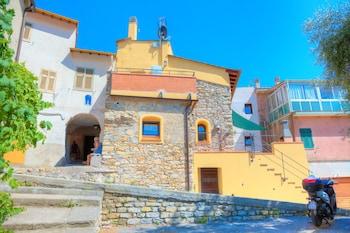 Photo for Casa di Pietra Deglio Faraldi in Villa Faraldi