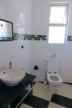 Diani Backpackers - Adults Only - Bathroom  - #0