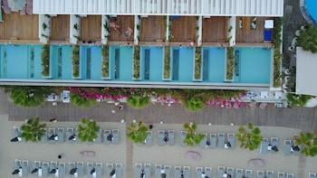 Mykonos Dove Beachfront Hotel (651342) photo