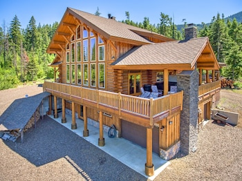 Crooked Tree Cabin New