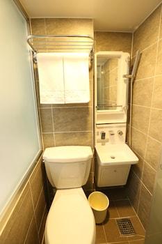 Philstay Myeongdong Metro - Bathroom  - #0