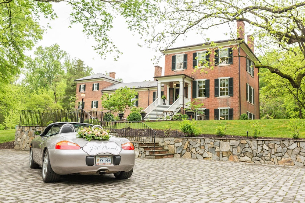 Braehead Manor