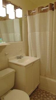 Oceanside Lodge - Bathroom  - #0