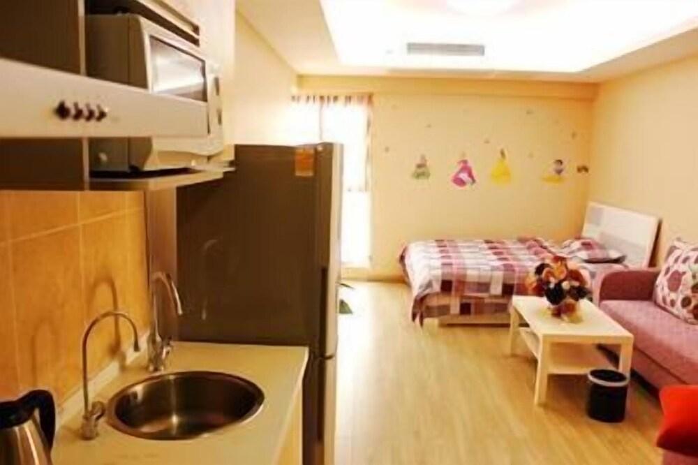 Nanjing Zifengge Apartment