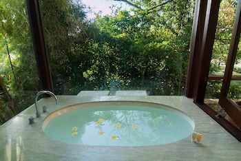 Citrus Tree Villas - La Mer - Outdoor Spa Tub  - #0