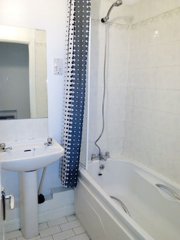 Docklands Self Catering Apartment - Bathroom  - #0