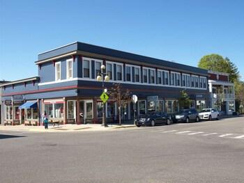 Downtown Harbor Springs Condo