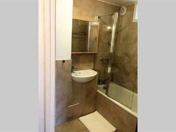 Chiswick Apartment - Bathroom  - #0