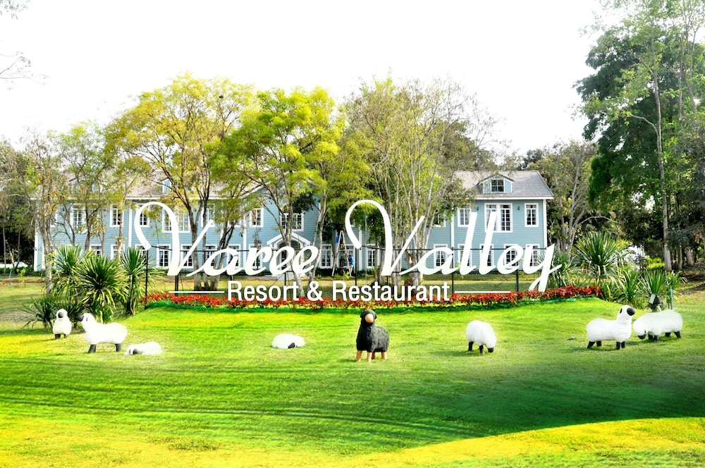 Varee Valley Resort and Restaurant