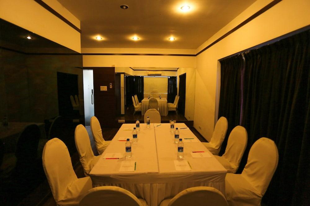 FabHotel Queensway T Nagar