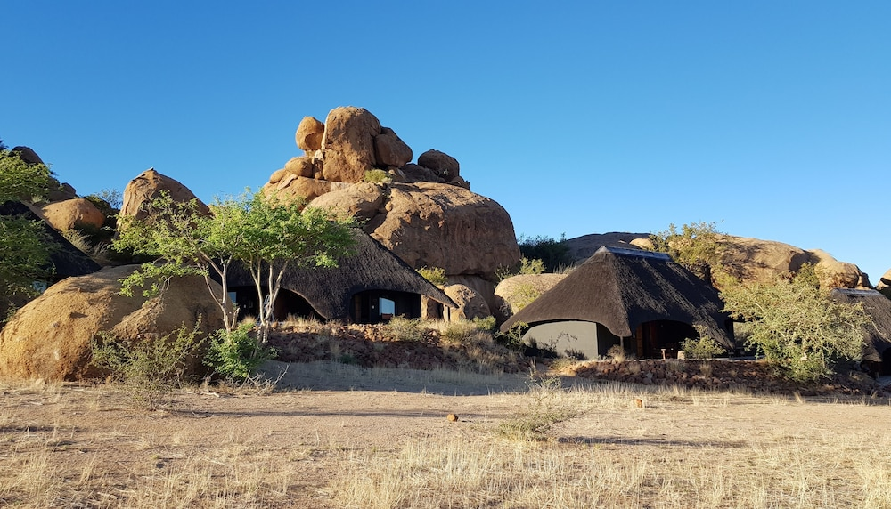 Ai Aiba - The Rockpainting Lodge