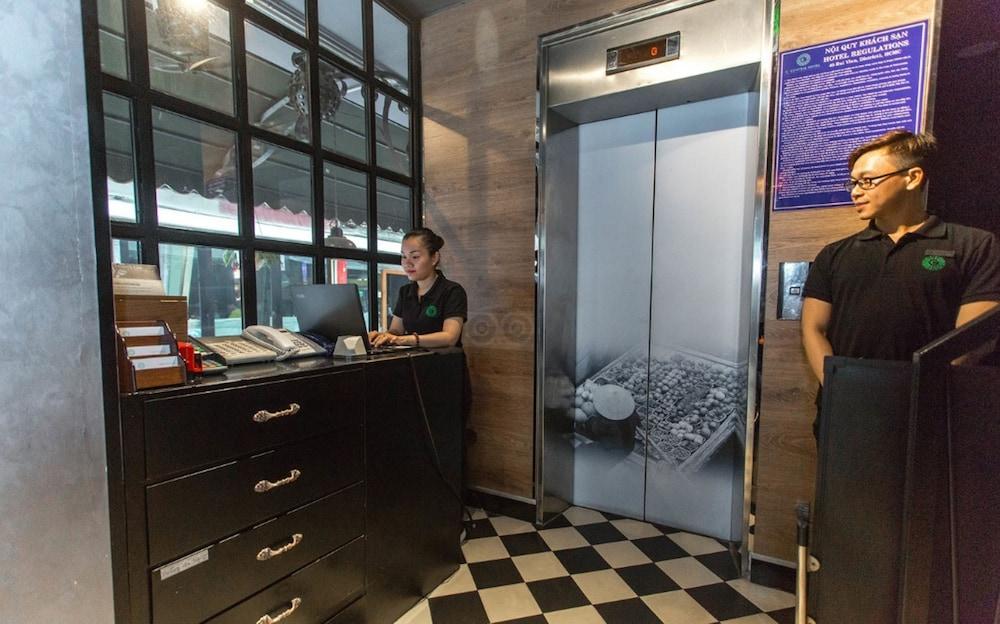 C Central Hotel Bui Vien