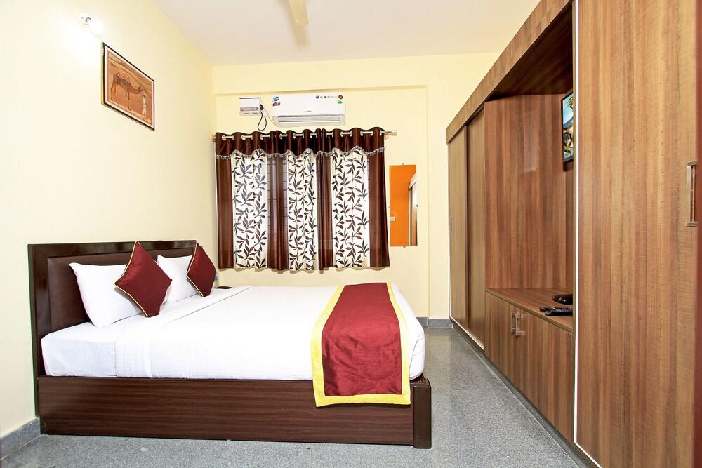 Tranzotel Bangalore Airport Hotel