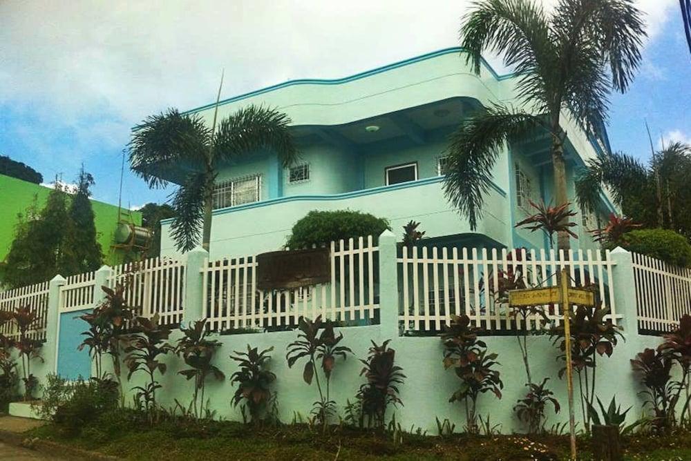 Our Melting Pot Tagaytay - Hostel