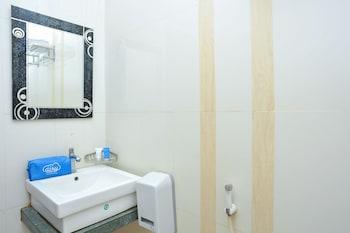 Airy Mataram Cakranegara Sriwijaya 136 Lombok - Bathroom  - #0