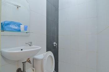 Airy Balecatur Wates Gemarang Yogyakarta - Bathroom  - #0