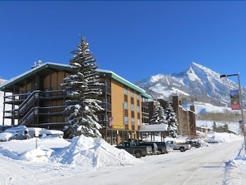 Evergreen by Crested Butte Lodging
