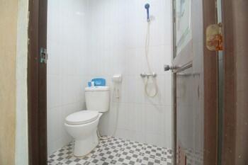 Airy Batu Aji Brigjen Katamso Ruko Taman Carina Batam - Bathroom  - #0