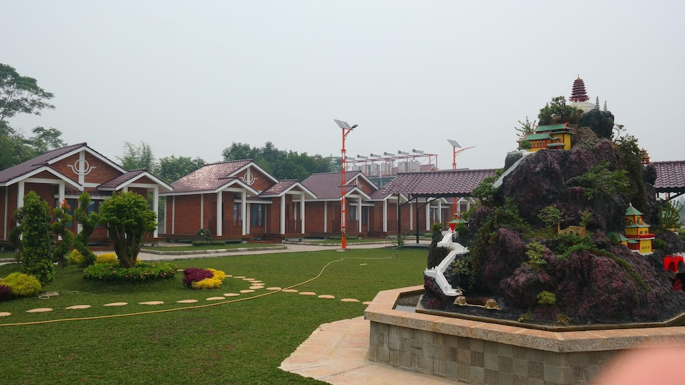 Thong's Inn - KNO Kualanamu Transit Hotel
