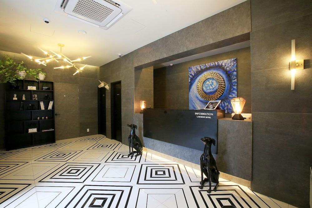 Hotel Lavieen