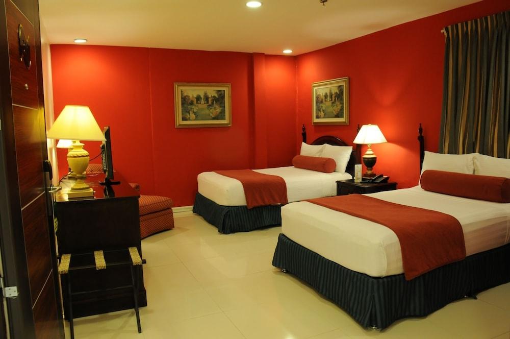 Dreamwave Hotel Santiago City