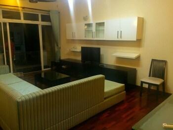 Vista Hawaii Residencies - Living Area  - #0