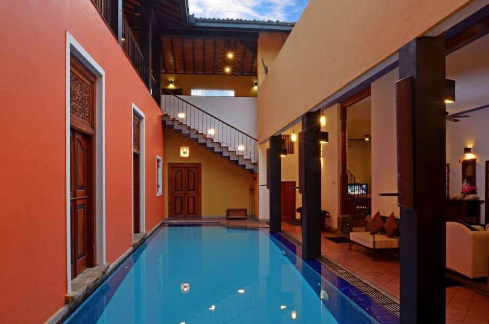 Villa Capers