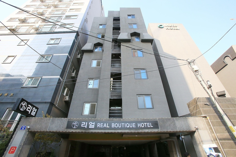 Real Boutique Hotel