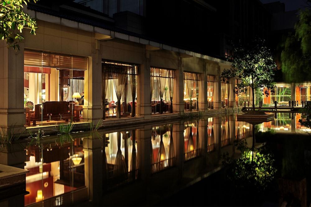 Jiashan Luoxingge Narada Hotel