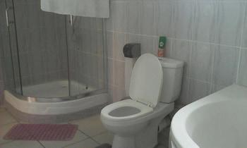 Strand Meadows - Bathroom  - #0