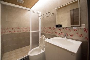 The Wood and Ocean - Bathroom  - #0