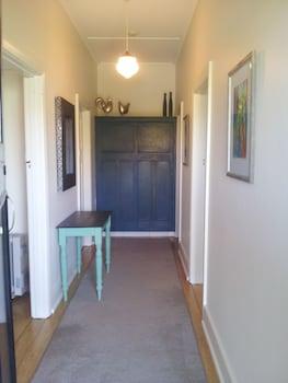 Mataro Cottage - Hallway  - #0