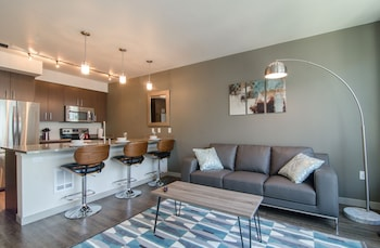 Capitol Hill Suites by Luxe Hubs
