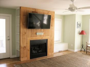 99A Third Condo 5 Bedroom by Ocean Atlantic Sotheby