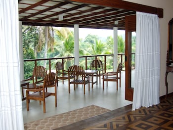 Serene Villa - Terrace/Patio  - #0
