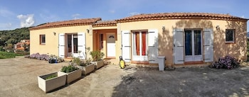 Photo for Spacious Corsican flat in Sartene