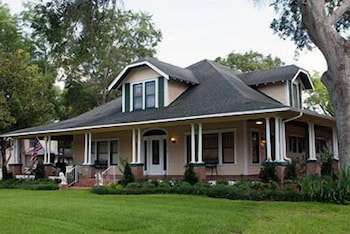 Photo for Gibbs Street Manor in New Waverly, Texas