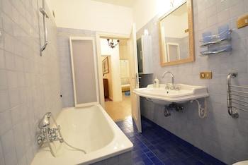 Matthew - Bathroom  - #0