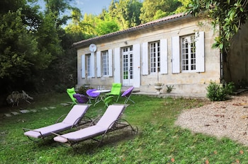 Photo for Bayon sur Gironde Garden House in Bayon-sur-Gironde