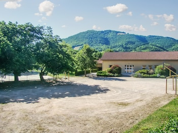 Photo for Hikers Terrace Dream Flat in Fayet (Midi-Pyrenees)